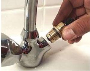 Badkamer Kraan Vervangen : Blijft u water kraan druppelen laat dan uw mengkraan snel repareren