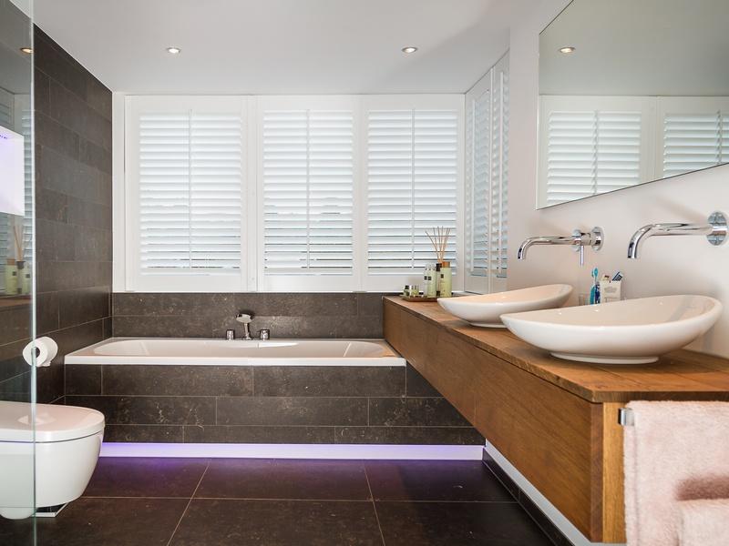 Badkamer laten installeren voor een redelijke prijs? Wat kost dat ...