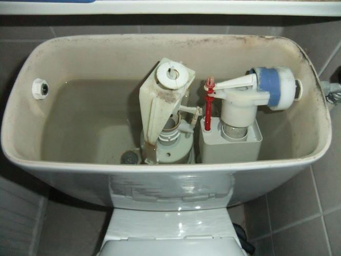 Staand Toilet Vervangen : Toilet blijft doorlopen met water hoe lost u dit snel op en wat